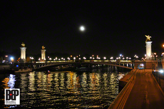 A walk along the River Sienne at night.